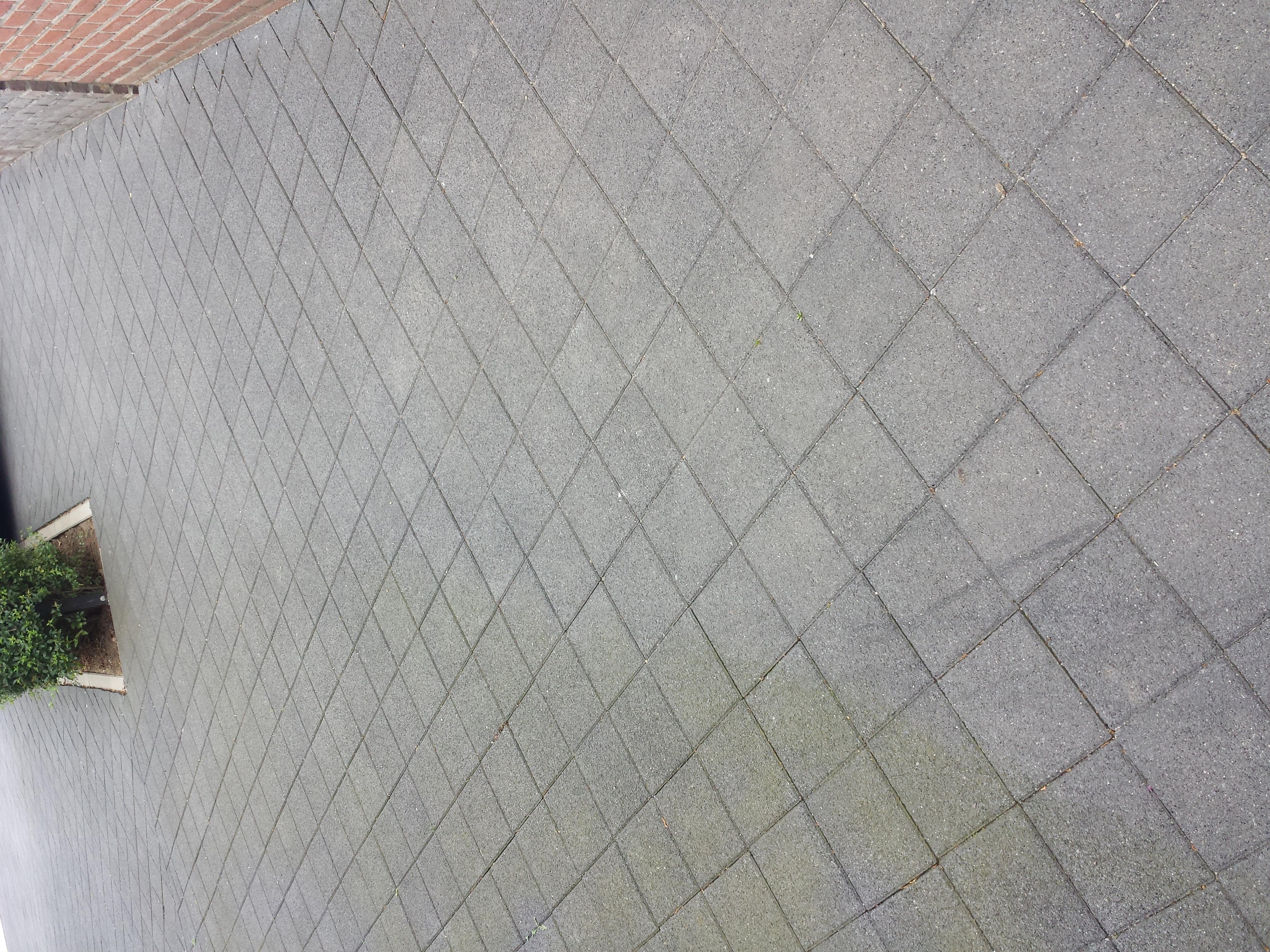 verwijderen groene aanslag op tegels